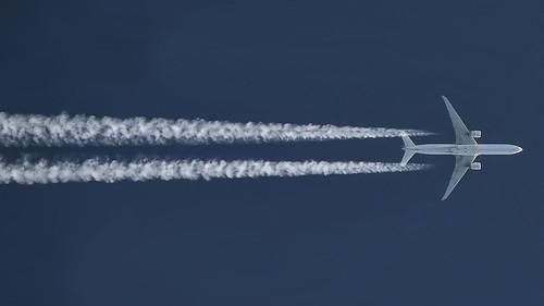 Air France / Boeing 777-328(ER) / F-GZNR