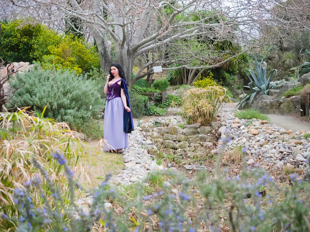 related image - Shooting Vanessa - La Petite Sirene - BlackRose -  Jardin Botanique de Marseille -2020-02-29- P2044317