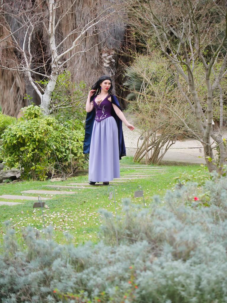 related image - Shooting Vanessa - La Petite Sirene - BlackRose -  Jardin Botanique de Marseille -2020-02-29- P2044168
