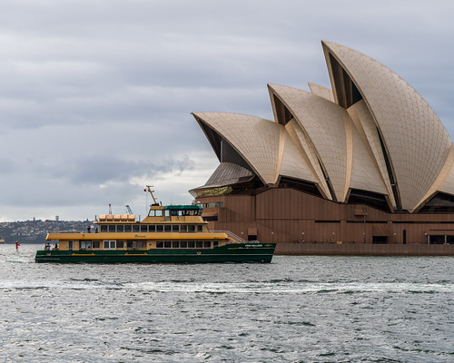 Sydney   |   Ferry and Opera House