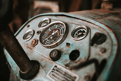 Old Rakovica tractor dashboard