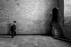 Touriste au Palais des Papes à Avignon