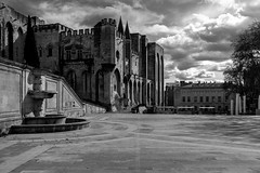 Place du Palais à Avignon