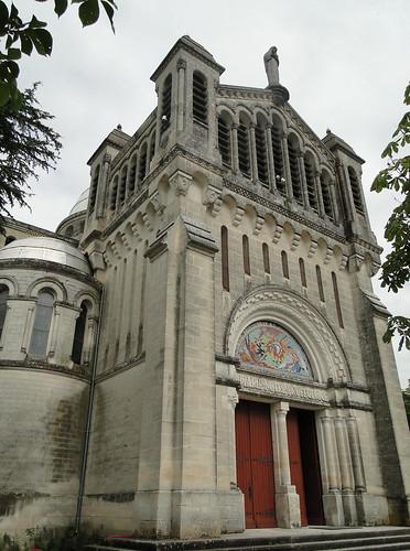 Lot-et-Garonne. Penne-d'Agenais. Sanctuaire marial N-Dame  de Peyragude. Façade