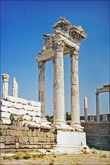 Le temple de Trajan à Pergame (Turquie)