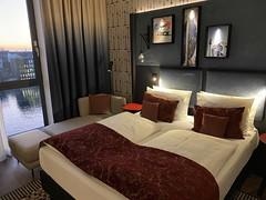 Room at the Hotel Indigo Berlin - East Side Gallery