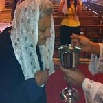 الأم أمال الكاتدرائية تتناول من الأسرار المقدسة - تصوير الأستاذ مينا فؤاد