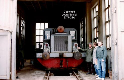 DE-08352 Raschau (Erzgebirge) Kartonagen Schwarzenberg GmbH Diesellok Deutz A4M220 36871/1941 im April 1991