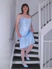 Dress lift