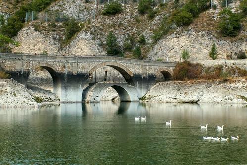 The bridge over San Domenico Lake at Villalago