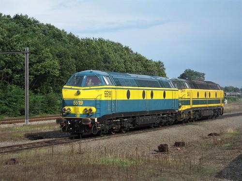 5519 et 5541 SNCB, repos bien mérité :)))