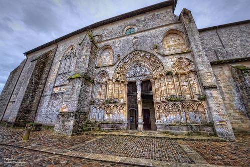 Façade nord de l'Église Collégiale de Saint-Émilion