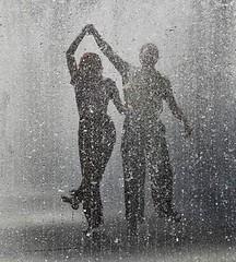 Niet wachten tot de storm voorbij is, maar dansen in de regen