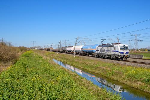DBC 193 362 met Unit-Cargo, Herveld