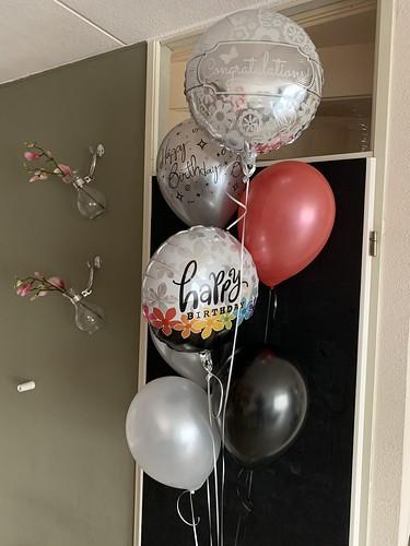 Ballonboeket Happy Birthday Zilver, Wit, Zwart, Rood