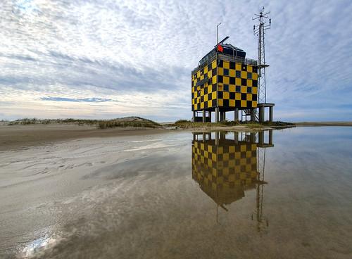 Red flag low  / Vliehors Range Control Tower, Vlieland, Netherlands