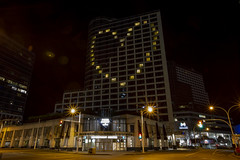 Hotel Fairmont Waterfront light up with heart