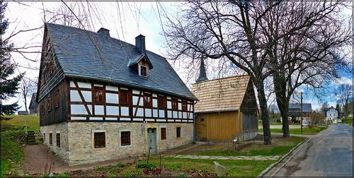 Wohnstallhaus in Fachwerkbauweise (Hauptstr. 36) in Hermsdorf / Erzgeb.