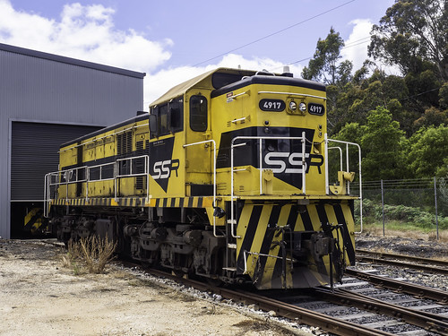Locomotive 4917 - SSR Southern Shorthaul Railroad  - built 1964 - see below
