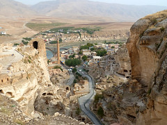Cave dwellings in Hasankeyf