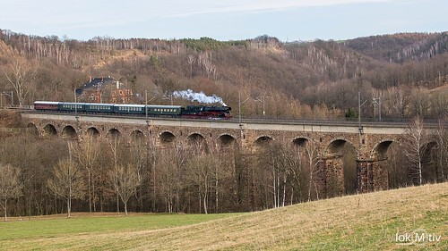 35 1097-1 crossing the Steina viaduct