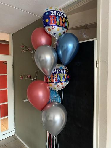 Ballonboeket Rood, Blauw, Zilver Happy Birthday Verjaardag