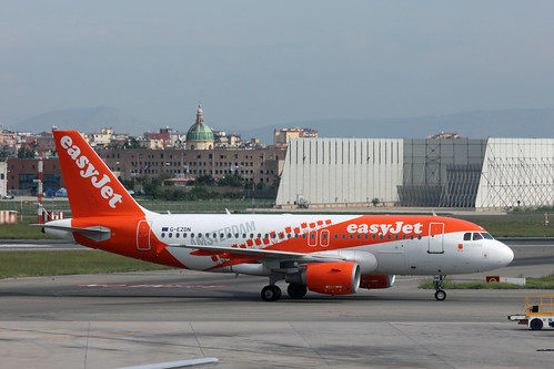 Airbus A319-111 of EasyJet