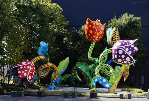 The Visionary Flowers (Yayoi Kusama)