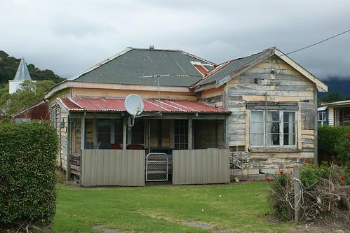 Opotiki gang house?