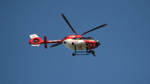 2014 Rettungshubschrauber BK-117 D2 (EC-145 T2) von Airbus Helicopters ehemals Eurocopter fliegt nach ukb Warener Straße 7 in 12683 Berlin-Biesdorf