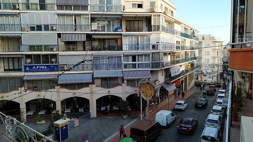situado en pleno centro y una de las mejores calles de Benidorm, en Ruzafa. Solicite más información a su inmobiliaria de confianza en Benidorm  www.inmobiliariabenidorm.com