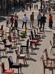 P1300277 Leere Stühle