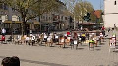 P1300263 Leere Stühle