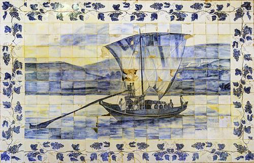 PT Douro Valley - Azulejo tiles at Quinta da Foz, Pinhao