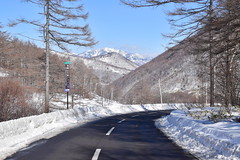 A road thru Nagano winter mountains
