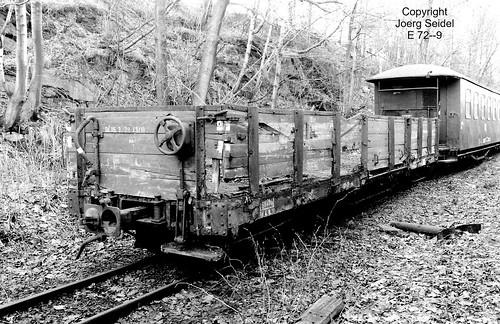 DE-09465 Cranzahl Bahnhof Deutsche Reichsbahn/Fichtelbergbahn Unbekannter  Güterwagen OOw 97-23-84 im April 1991