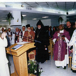 Vassula speaking at Bethlehem in 2000. Among the many pilgrims were more than 60 clergy from 14 denominations assembled for this TLIG Ecumenical Pilgrimage to the Holy Land