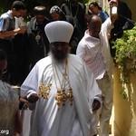 الراهب القمص حياة الأثيوبي المحرقي مع أبونا باولوس بطريرك أثيوبيا (2)
