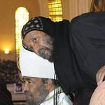 الراهب القمص حياة الأثيوبي المحرقي مع أبونا باولوس بطريرك أثيوبيا (1)