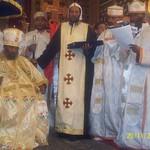 الراهب القمص حياة الأثيوبي المحرقي مع قداسة البابا شنودة وأبونا باولوس بطريرك أثيوبيا (12)