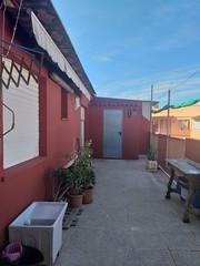 Gran terraza abierta muy soleada de unos 40 m2 aproximados. Esta propiedad la gestiona la Inmobiliaria de Benidorm Asegil. Para mas información le atenderemos en:  Teléfono: 96-5861103/04 E-mail: inmobiliaria@asegil.com www.inmobiliariabenidorm.com