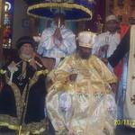 الراهب القمص حياة الأثيوبي المحرقي مع قداسة البابا شنودة وأبونا باولوس بطريرك أثيوبيا (7)