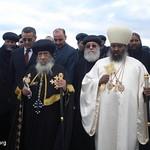 الراهب القمص حياة الأثيوبي المحرقي مع قداسة البابا شنودة وأبونا باولوس بطريرك أثيوبيا (2)