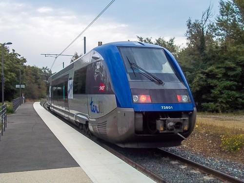 X73801 • Gare de Sain-Bel