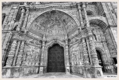 Entrada principal a la Catedral de Astorga (León)