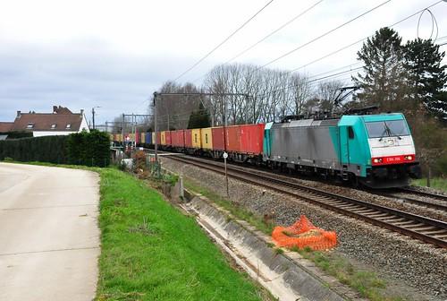 Omgeleide Crossrail E186.206 met MSC naar Germersheim
