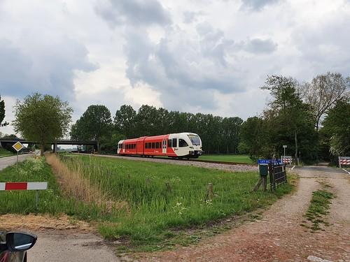 Arriva Spurt door Echteld op weg naar Arnhem 03-05-2020