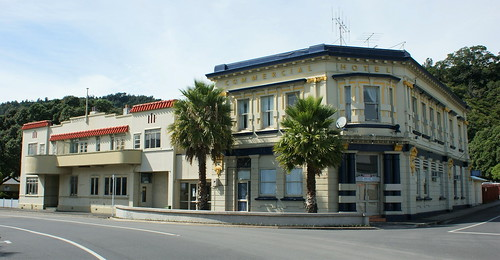 Whakatane: Commercial Hotel (c.1917) and accommodation (c.1939) (1)