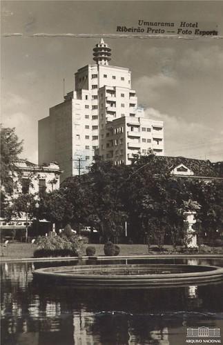 Praça em Ribeirão Preto (SP), 1956
