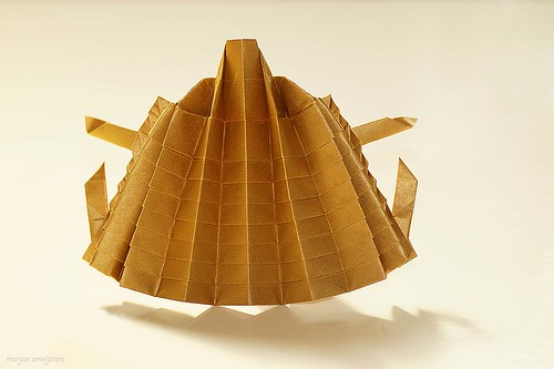 In-between-step Origami Hedgehog (John Richardson)